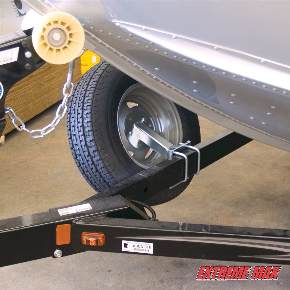 extreme max  high mount spare tire carrier